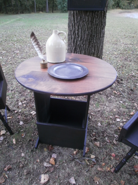 Round Tavern Table with Bin