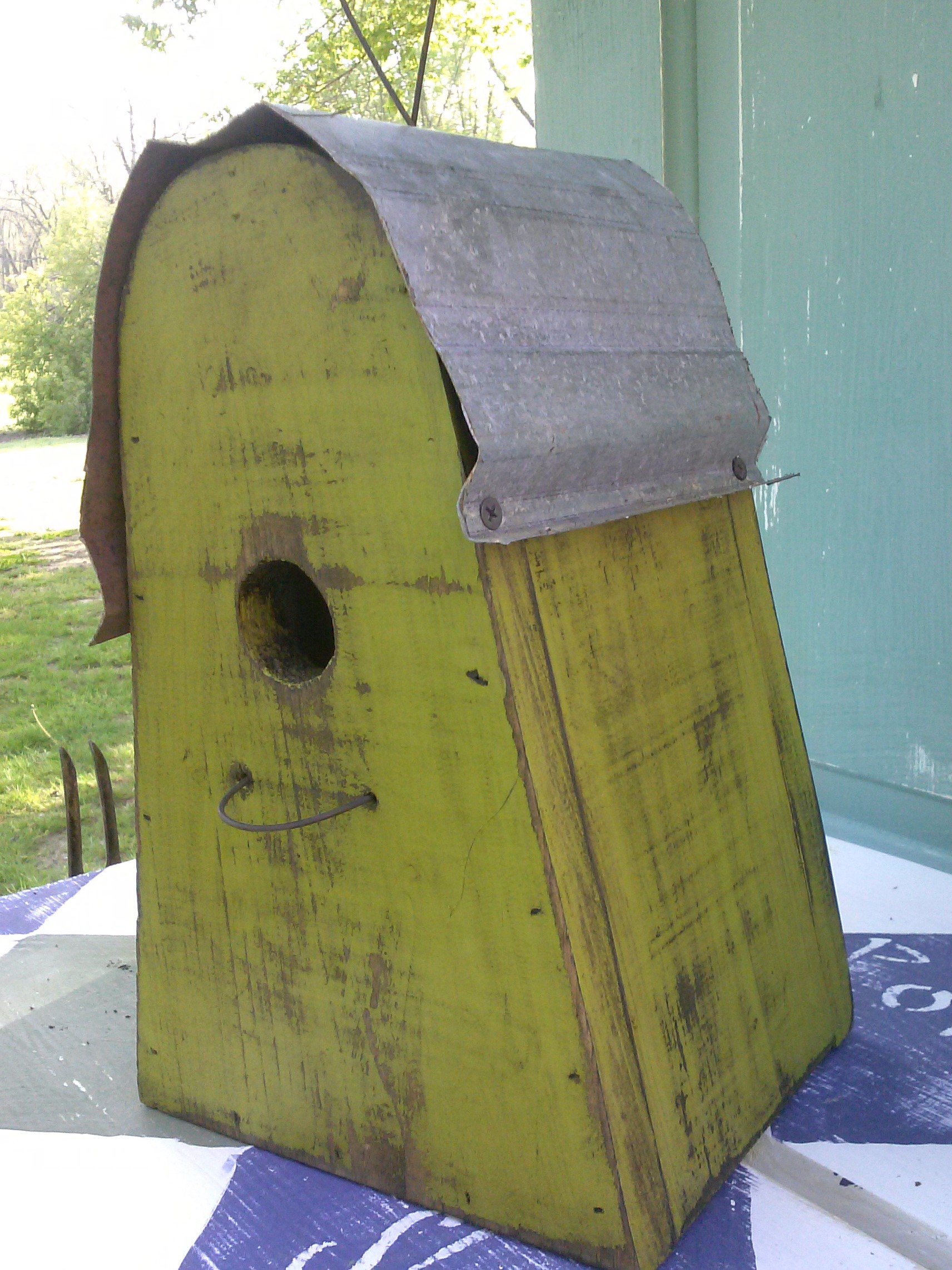 Metal Roof Hanging  Birdhouse Free SHIPPING !