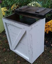 Farmhouse Trash Bin