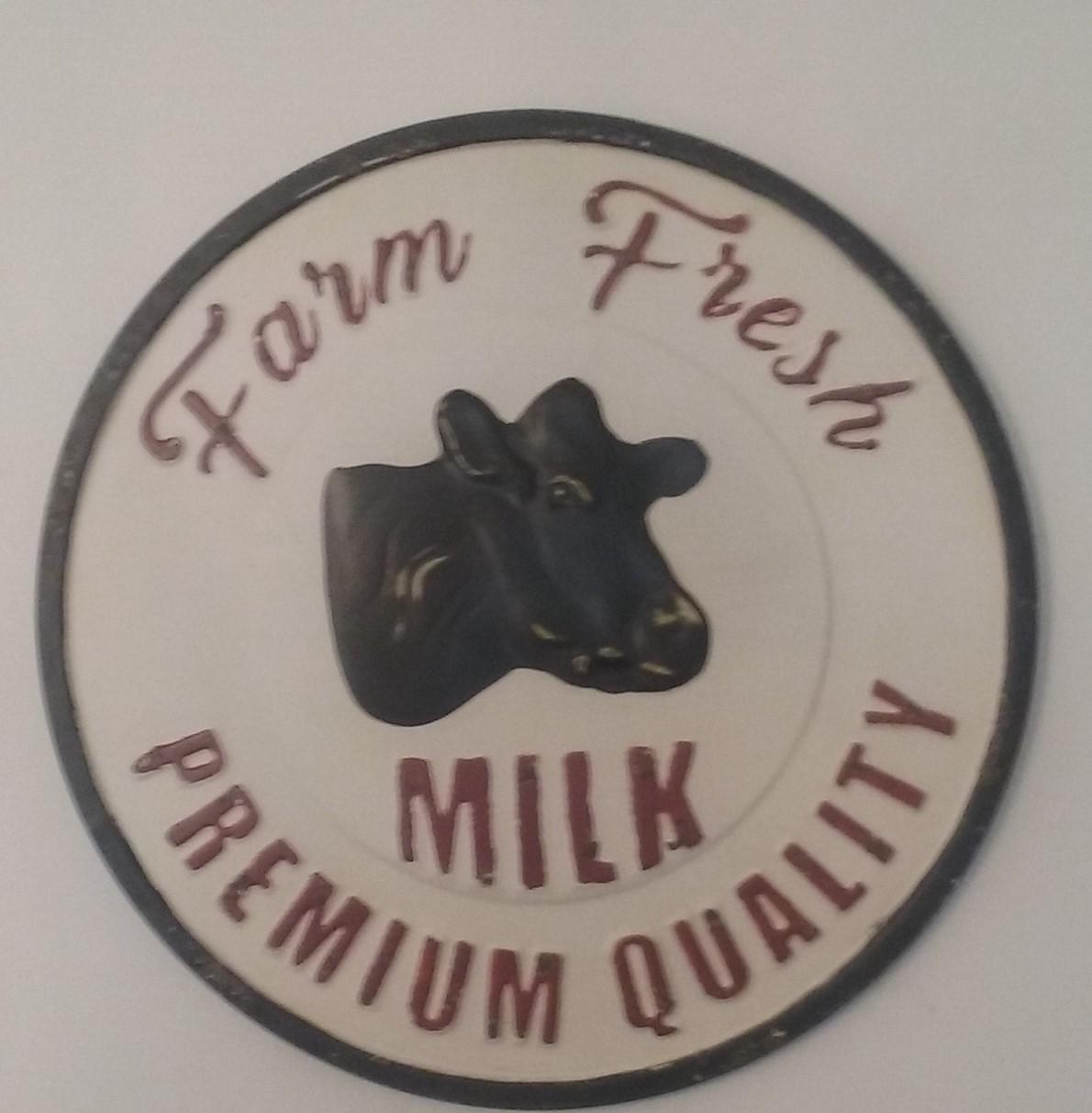Sign / Farm Fresh Milk