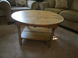 Round Coffee Table FREE SHIPPING !