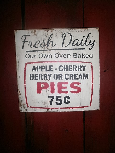 Pie Sign / FREE SHIPPING !! hanging Sign/ bakers sign